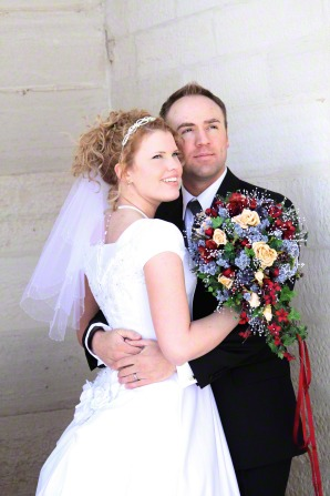 married-couple-at-manti-temple-766661-gallery